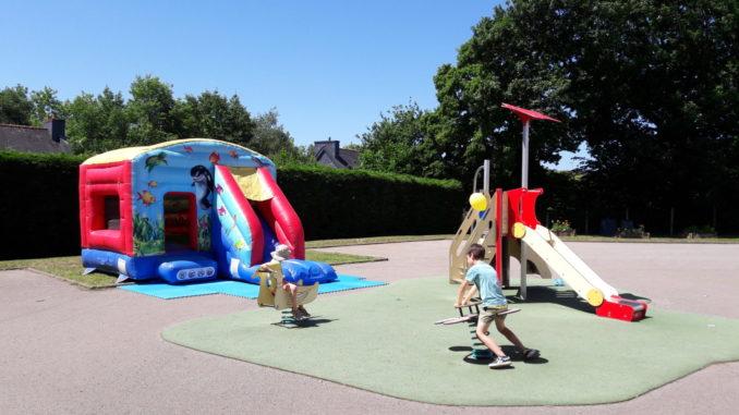 Parc-de-jeux-Maison-toboggan-R2-JEUX-e1581358563349